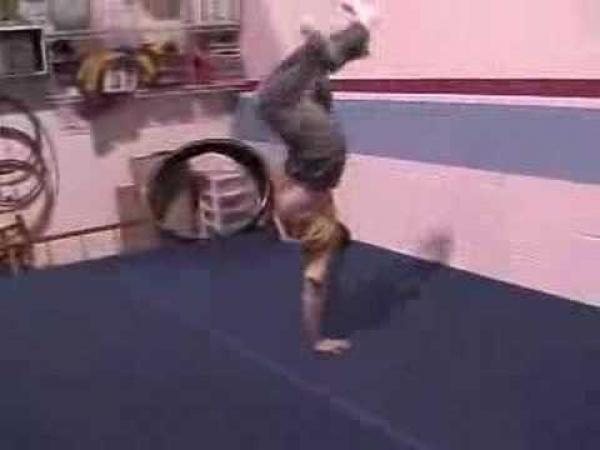 Akrobatické kousky [kompilace]