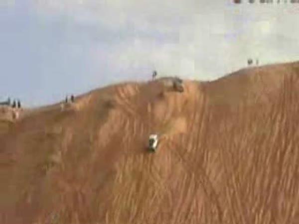 Jeep a zábava na poušti