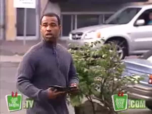Vaše auto na parkovišti [skrytá kamera]