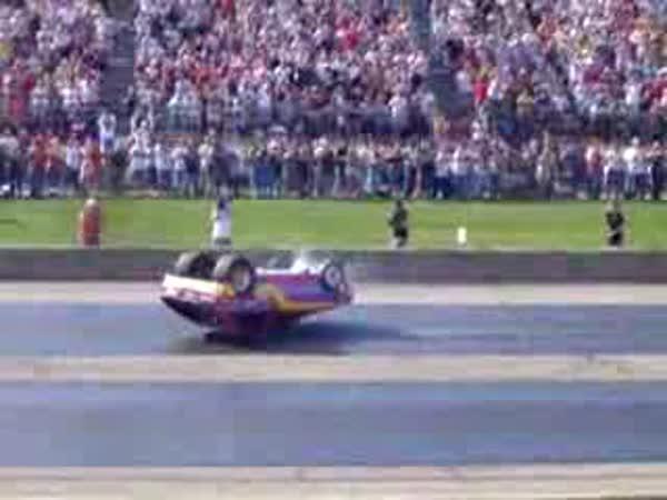 Drag Race - příliš silné auto