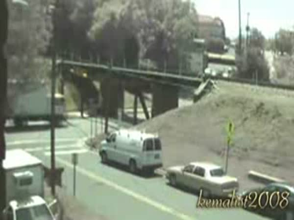 Nízký most vs. vysoká auta