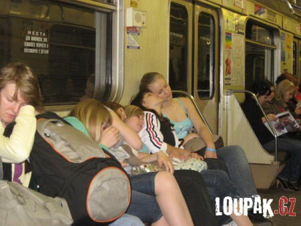 OBRÁZKY -  Z ruského metra
