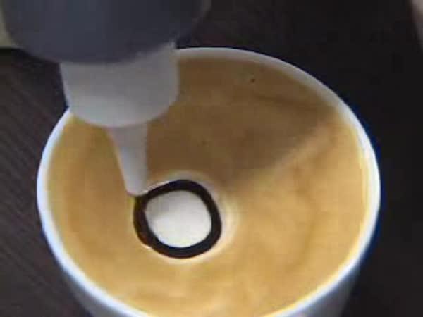 Umění s pěnou od kávy
