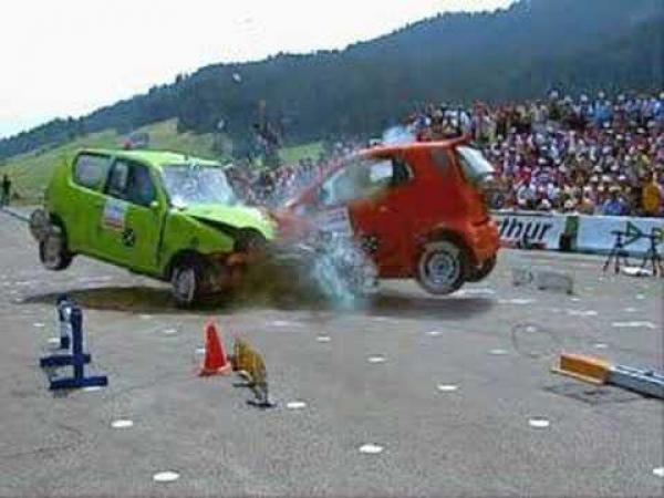 Crash test - detailně