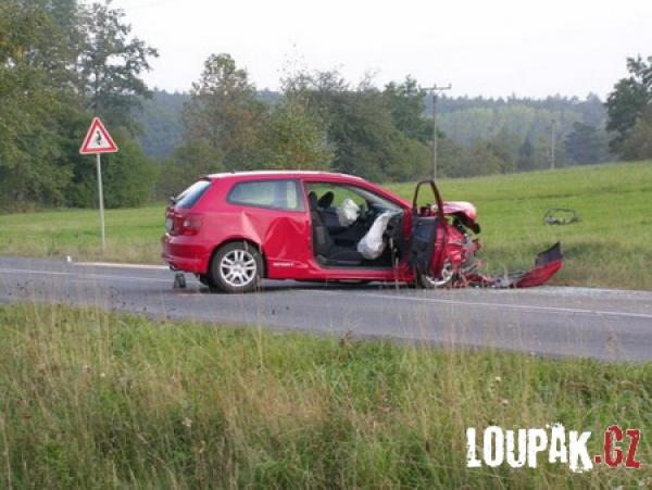 OBRÁZKY - automobilové nehody [160 fotek]