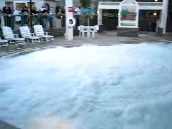 Tekutý dusík v bazénu