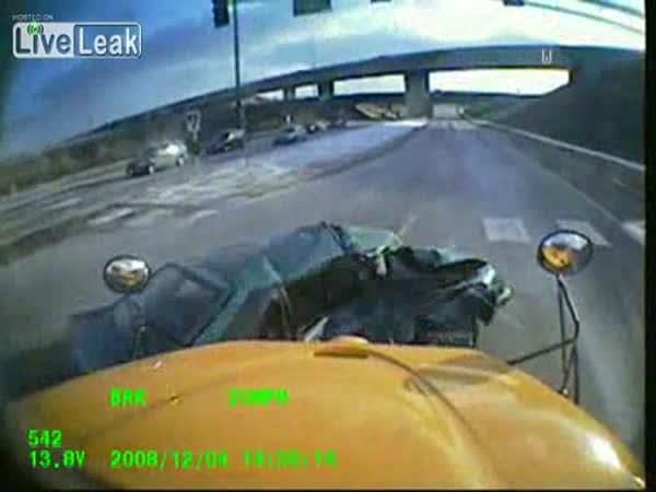 Školní autobus - nehoda