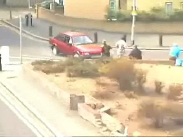 Automobilové nehody ve městech [kompilace]