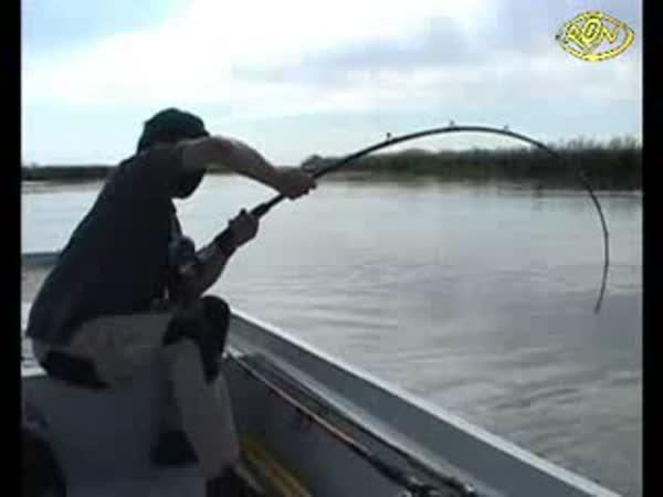 Rybář - ulovit rybu není nic jednoduchého