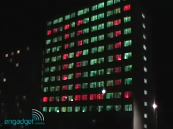Show - světla v oknech