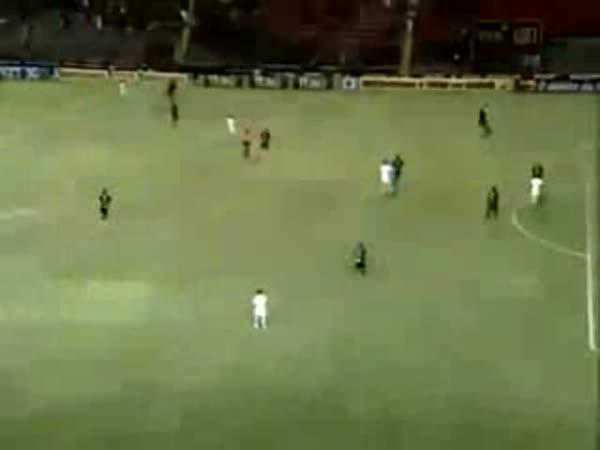Fotbal - kuriozní gól
