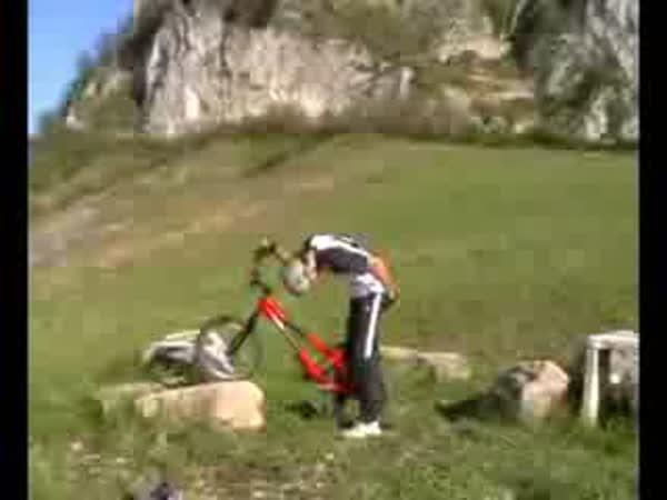 Bike trial - pády [kompilace]