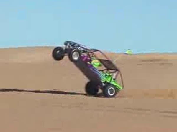 Bugina na poušti a 7-mi letý řidič