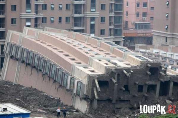 OBRÁZKY - Stavba paneláku