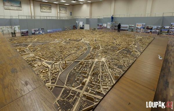 OBRÁZKY - Dřevěný plán Ruska