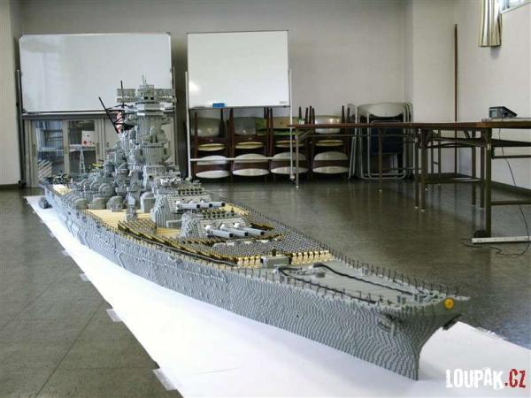 OBRÁZKY - Bitevní loď z LEGA