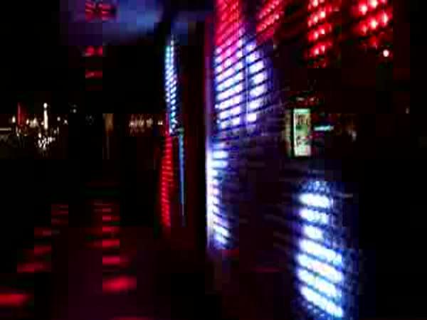 Nové LED výlohy ve městech