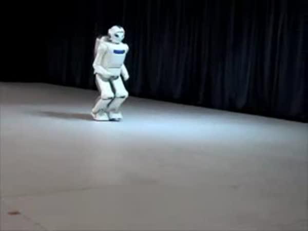 Japonsko - Roboti umí běhat