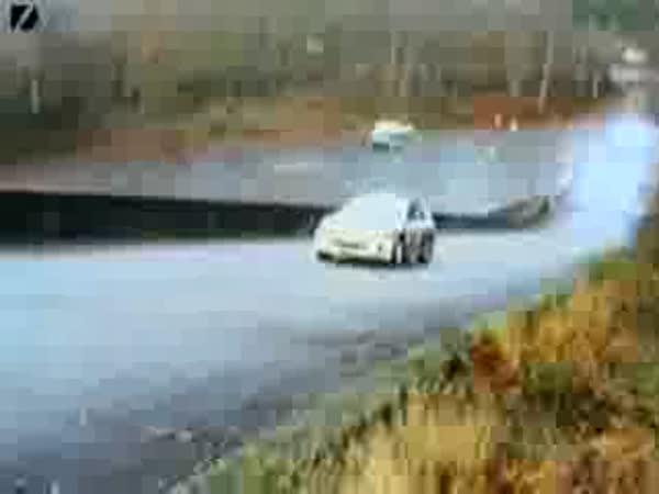 Automobilové závody - nehody [kompilace]
