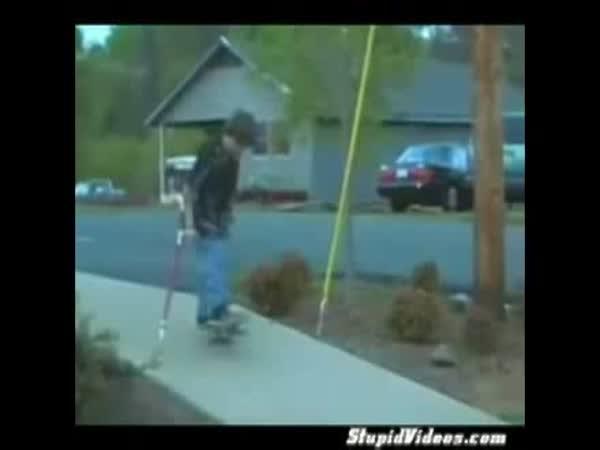 Borec - Skateboardista s berlemi