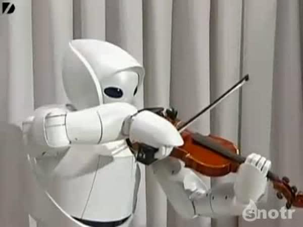Robot umí hrát na housle