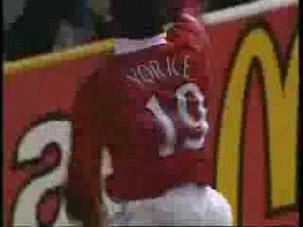 Fotbal - Dwight Yorke ukončil karieru