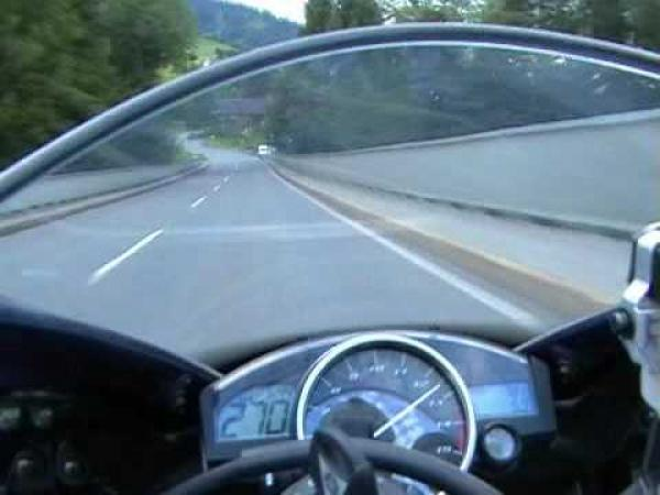 Adrenalinová projížďka - Yamaha R1
