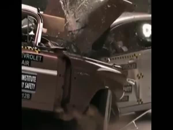 Crashtest - staré vs. nové auto