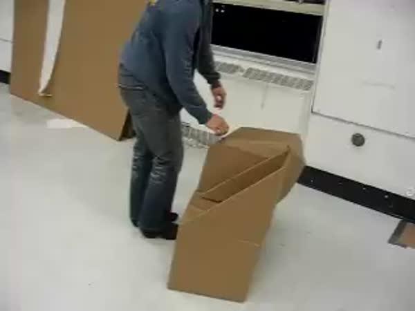 Vynález - Židle z kartonu