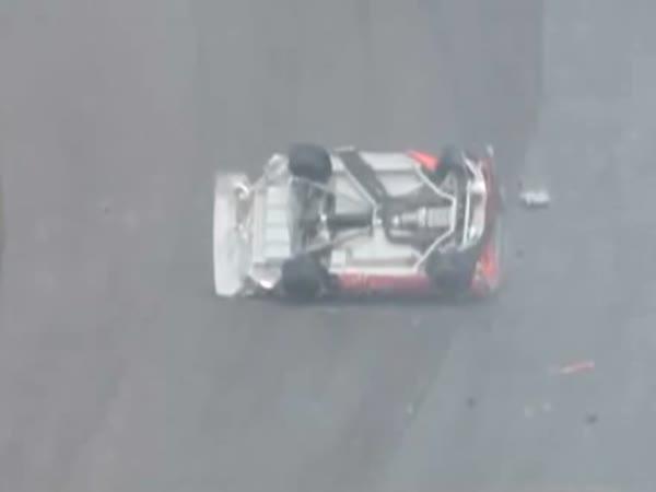NASCAR - děsivá nehoda