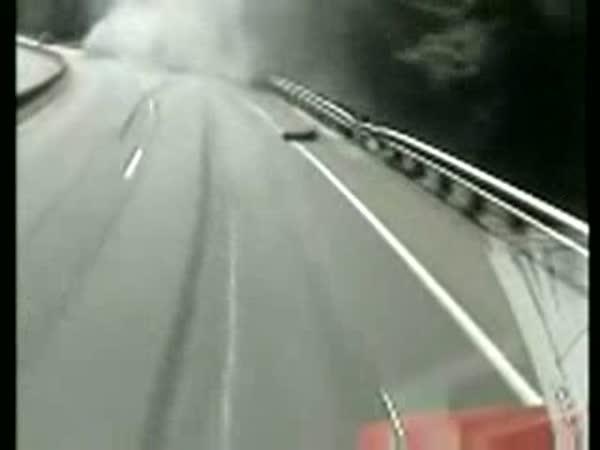 Nehody kamionů [kompilace]