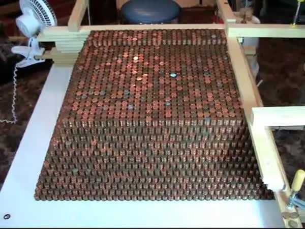 Borec - Pyramida z mincí