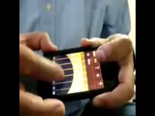Iphone - kytara v mobilu