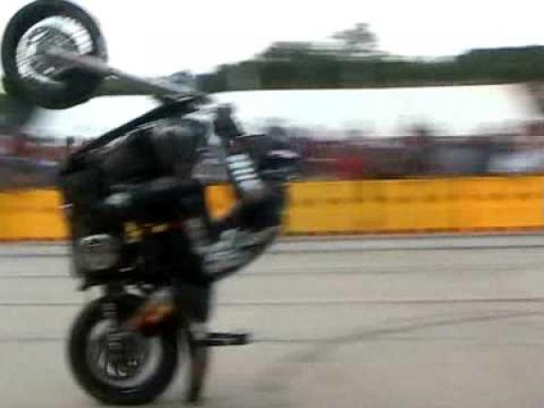 Harley Davidson - Jízda po zadním