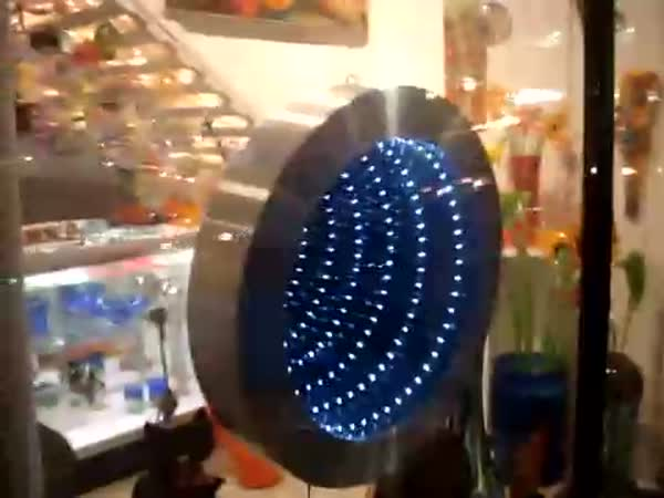 Nekonečné zrcadlo -  Infinity mirror
