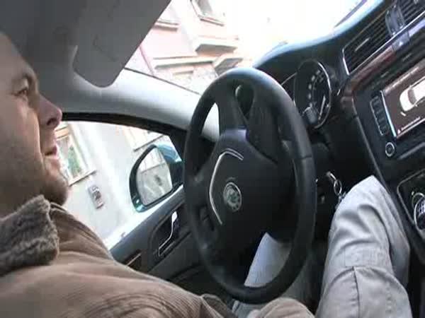 Škoda Superb - Parkovací asistent