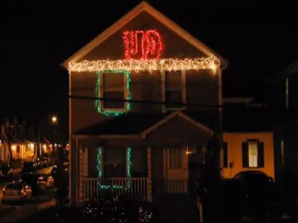 USA - Vánočně osvětlený dům III.