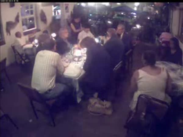 USA - 2 zlodějky v restauraci