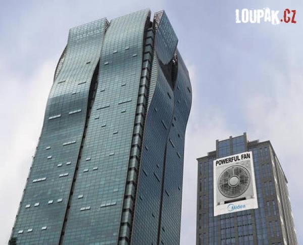 OBRÁZKY - Originální reklamy na budovách