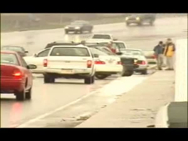Pořádná ledovka na silnici