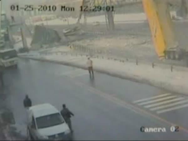 Nehoda - Kamion vs. most