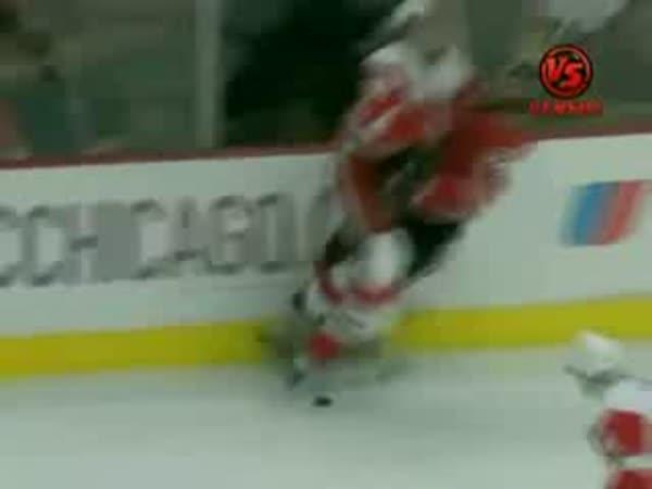 Hokej - Tvrdý zákrok na Martina Havláta