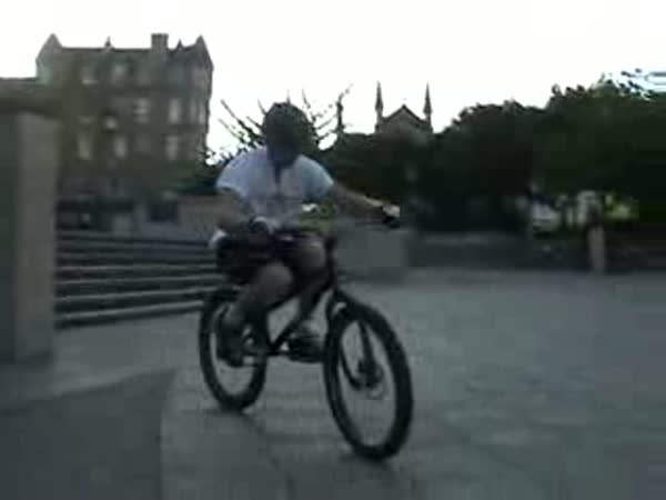 Bike trial - Danny MacAskill - 2.díl