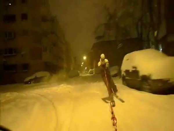Projížďka městem na lyžích