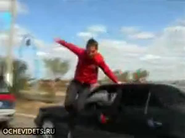 Idiot pro dnešní den -  Machýrek v autě