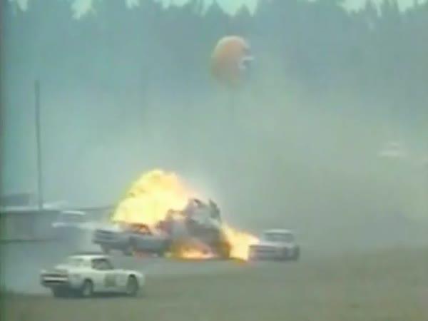 NASCAR - Smrtelné nehody [kompilace]