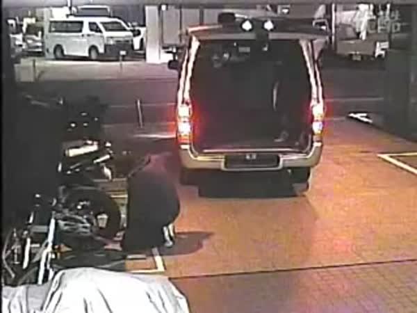 Japonsko - Krádež motorky za 30 vteřin
