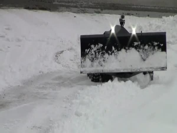Robot - Odklízení sněhu