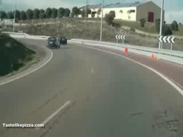 Autonehoda - Smyk v zatáčce