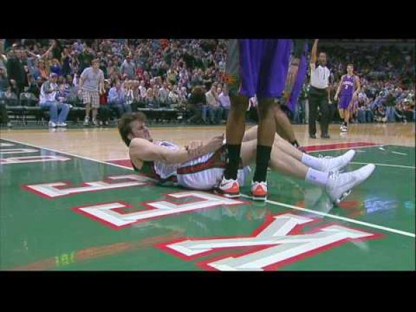Basketbal - Zlomená ruka